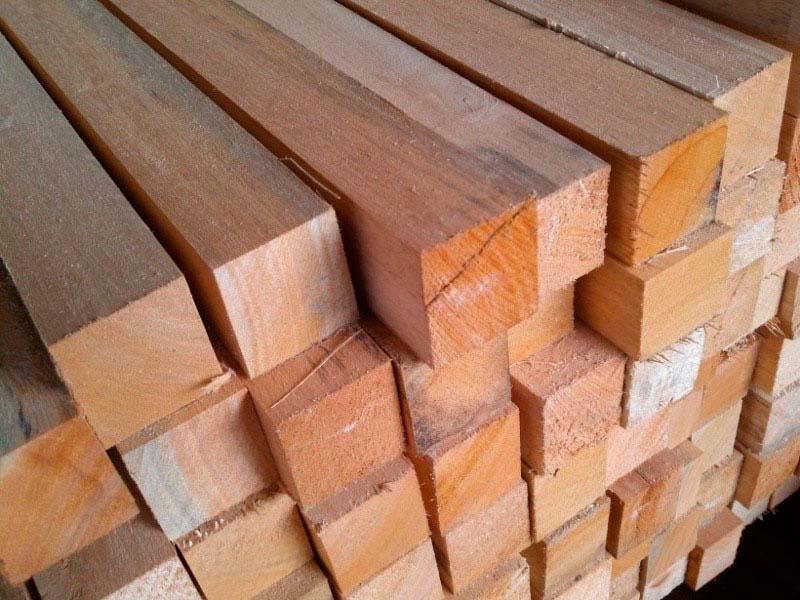 Caibro de madeira