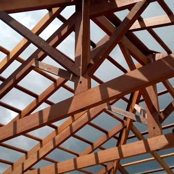 Viga de madeira para telhado preço